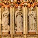 Sanctuary, left side: from left to right, the evangelists St John and St Luke, and the apostle St Peter. On the columns: left, St Ambrose (340-97, Latin Church Father) and St Leo (400-61, pope, Latin Church Father); right, St Jerome (347-420, Latin Church Father) and St Clement (died about 99, pope).